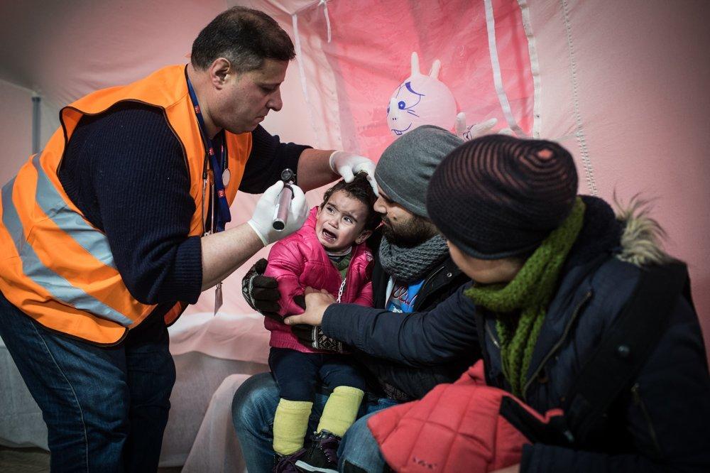 Lekár Issá Zaidan zo Sýrie pomáha deťom na úteku z vlasti. O vojne sa s krajanmi nerád rozpráva.