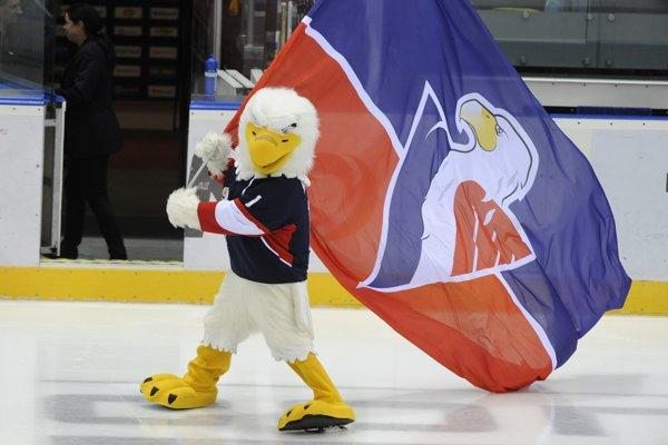 Maskot Slovana počas prestávky medzi tretinami zápasu KHL.