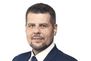 Peter Pipák odstúpil z predvolebného boja o post primátora Humenného.