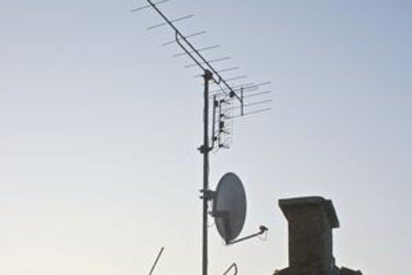 Domácnosti, ktoré majú klasické antény, prechod na digitálne vysielanie pocítia.