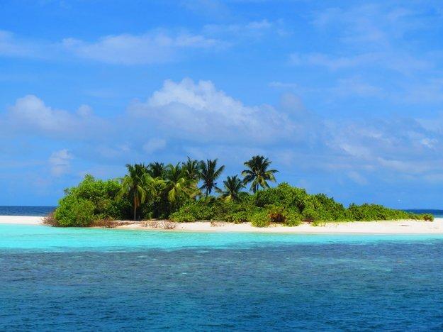 Väčšina ostrovov na Maledivách je neobývaná. Sú ideálne na celodenný súkromný výlet.