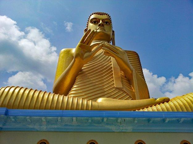 Budhovi sa neotáčajte chrbtom.