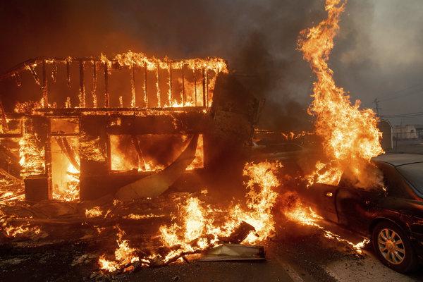 Oheň mesto Paradise takmer úplne zničil.