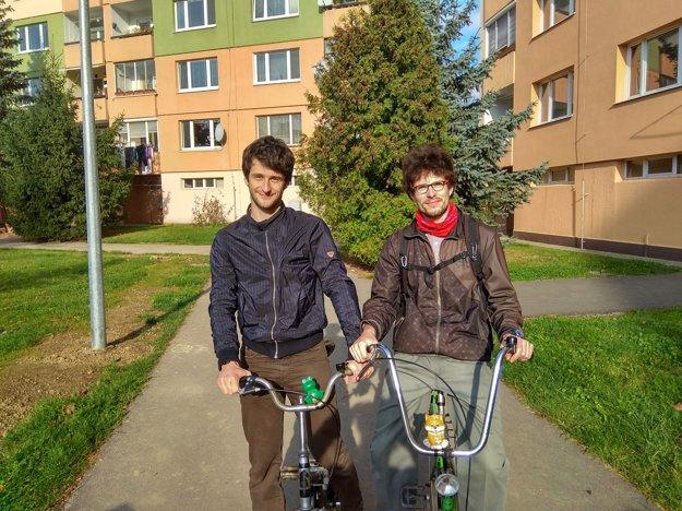 Bratia Kotrčovci sa volieb zúčastnili.