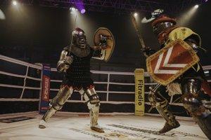 Diváci videli aj zápas v historickom šerme. Nešlo o žiadne nacvičené súboje.