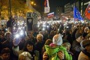 Protesty Za slušné Slovensko, na ktorých sa po smrti novinára Jána Kuciaka a jeho snúbenice Martiny Kušnírovej zúčastňovali desaťtisíce ľudí.