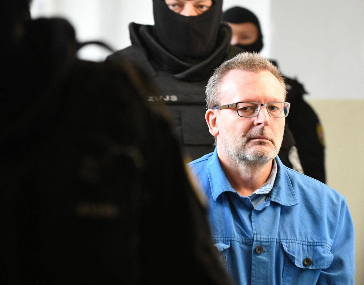 Šéfa sýkorovcov Lališa uznal súd za vinného, trest mu však neuložil - SME