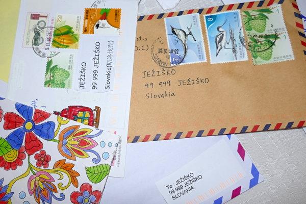 Ježiško odpíše na každý list, pri ktorom je uvedená spätná adresa.