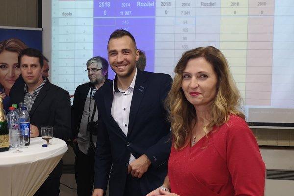 Primátorka a jej dnes už nový vedúci kancelárie mali dobrú náladu na jej volebnom štábe v sobotu 10. novembra 2018.