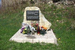 Židovský pomník pri židovskom cintoríne.