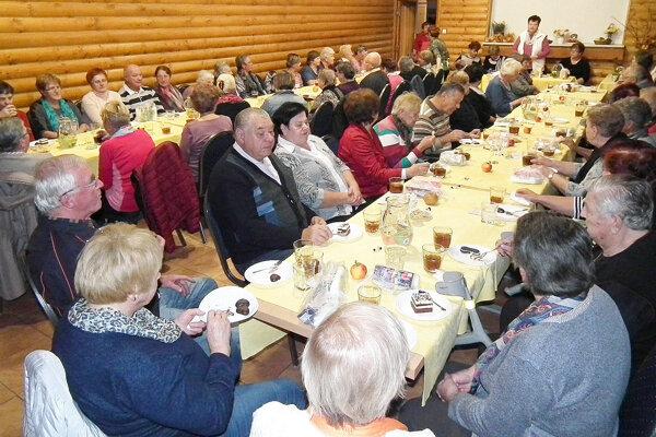 Ostatnej schôdze nižnianskeho združenia sa opäť zúčastnili desiatky členov.