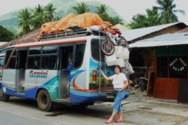 Autobusy prevážajú okrem cestujúcich čokoľvek.