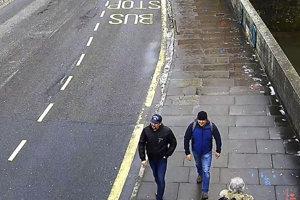 Záznam zachytávajúci dvoch podozrivých, známych pod pseudonymami Petrov a Boširov, zachytáva ich príchod do Salisbury v nedeľu 4. marca a ich pohyb po meste v tento deň - po moste Fisherton Bridge či po ulici Wilton Road.