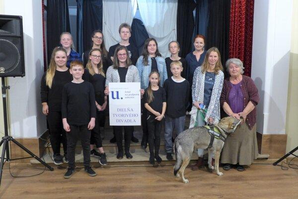 Účastníci dielne tvorivého divadla v Martine.