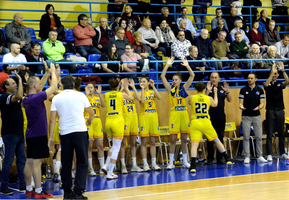 Extraliga basketbalistiek  Young Angels Košice - Piešťanské Čajky ... afe2df884a9