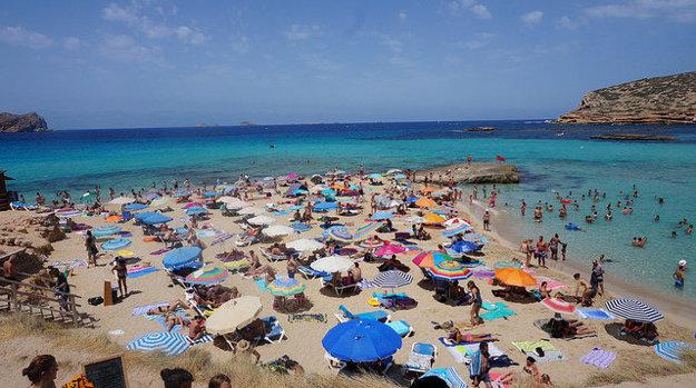 Pláž Cala Comte.