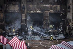 Požiar na bratislavských vianočných trhoch uhasili.