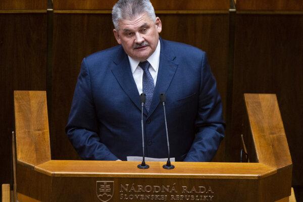 : Na snímke minister práce, sociálnych vecí a rodiny SR Ján Richter.