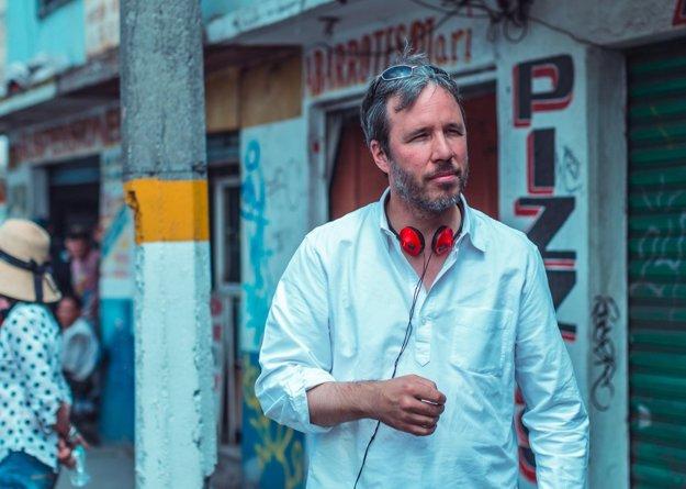 Kanadský režisér Dennis Villeneuve pri nakrúcaní drámy Sicario. Teraz má za úlohu dôstojne oživiť film Blade Runner.