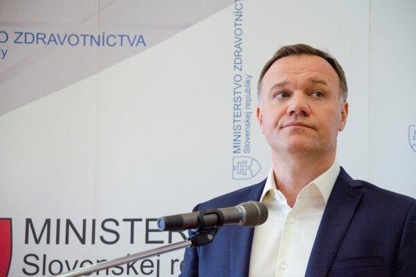 Minister zdravotníctva Čislák.
