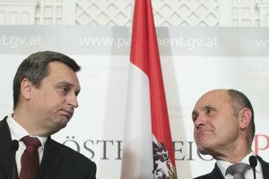 Andrej Danko počas tlačovej konferencie s rakúsky predsedom národnej rady Wolfgangom Sobotkom.