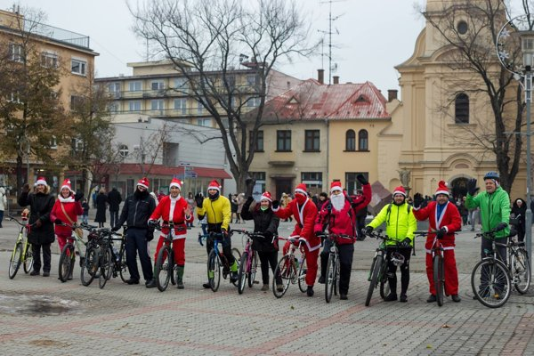 Účastníci Mikulášskej cyklojazdy.