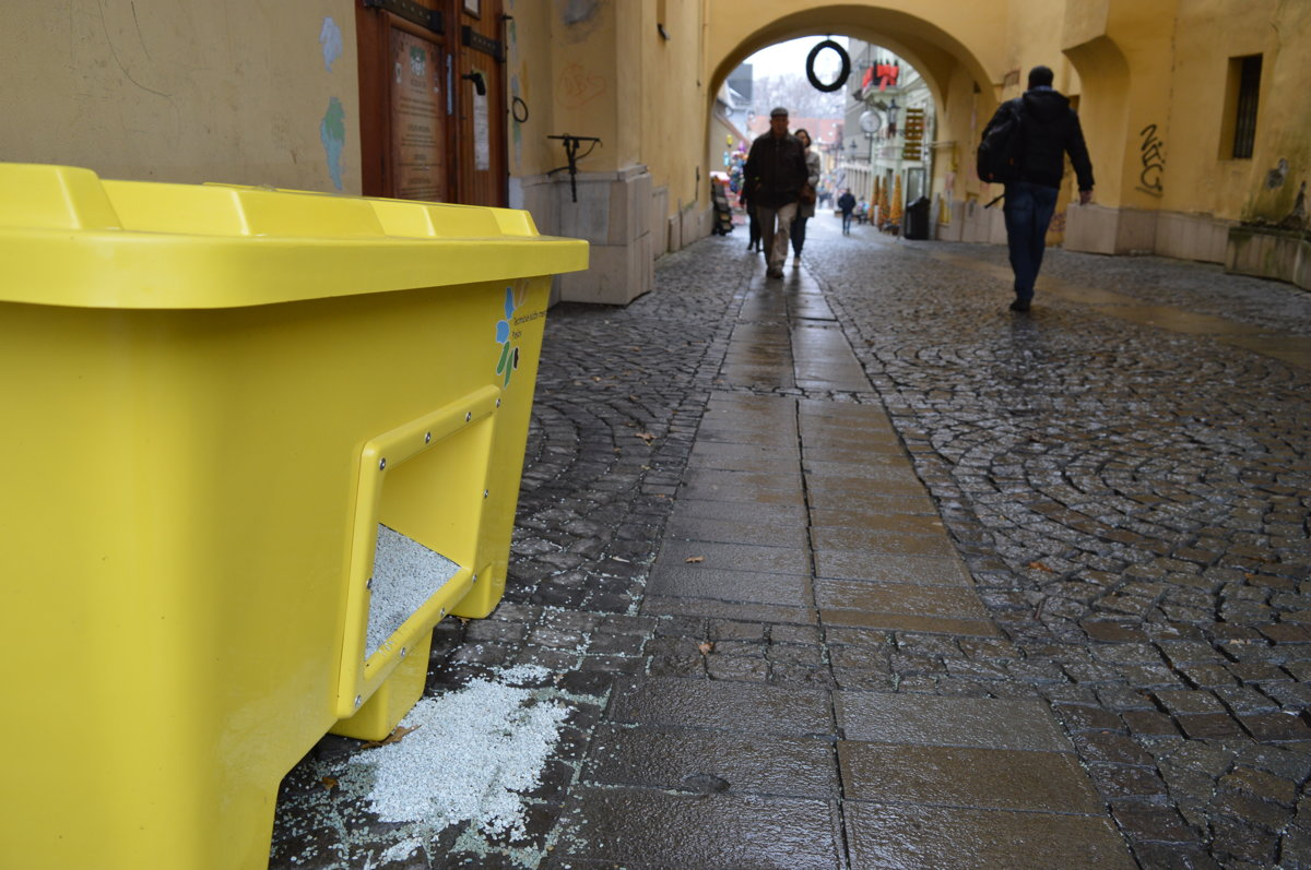 Prešov sa od novej zimnej sezóny musí starať o údržbu viacerých chodníkov  než doteraz. 9a31437c8b2