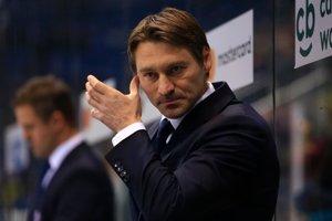 Na snímke tréner Slovana Vladimír Országh.