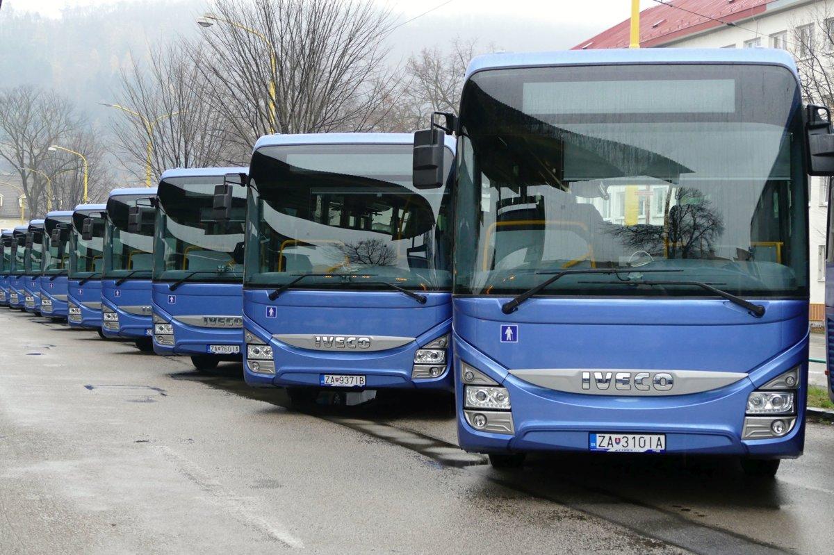 918b4fdf5 Nové autobusy, ktoré spoločnosť SAD Žilina v spolupráci so Žilinským  samosprávnym krajom a Integrovanou dopravou