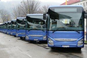 Nové autobusy, ktoré  spoločnosť SAD Žilina vspolupráci so Žilinským samosprávnym krajom aIntegrovanou dopravou Žilinského kraja spustila do prevádzky.