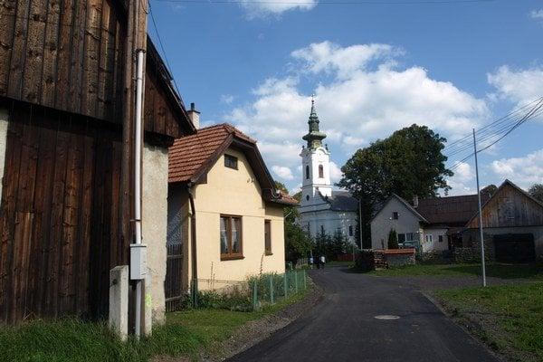 Oprava ciest v Hybiach stála asi 80-tisíc eur, obec na ňu šetrila osem rokov.