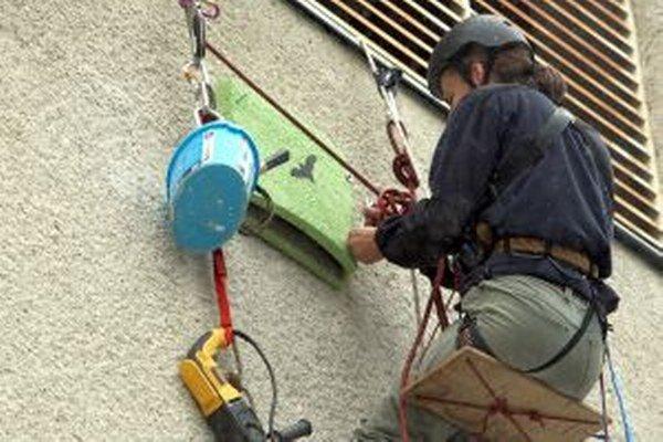 Búdky pre netopiere je vhodné umiestniť na budovu napríklad po zatepľovaní.