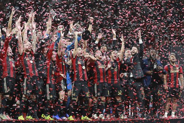 Futbalisti Atlanty United oslavujú svoj premiérový titul v zámorskej Major League Soccer.