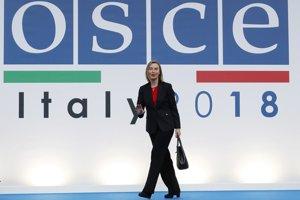 Šéfka diplomacie EÚ Federica Mogheriniová vyhlásila, že prispieť by mohla napríklad Európska investičná banka.