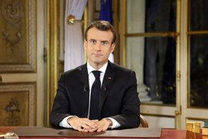 Francúzsky prezident predniesol prejav občanom.