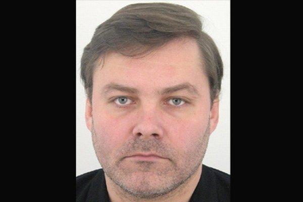 Richard Lalkovič si nepreberá súdne zásielky a úmyselne sa skrýva.