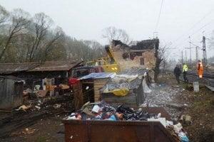 Búranie domčeka sa nezaobišlo bez emotívnych reakcií bývalých obyvateľov.