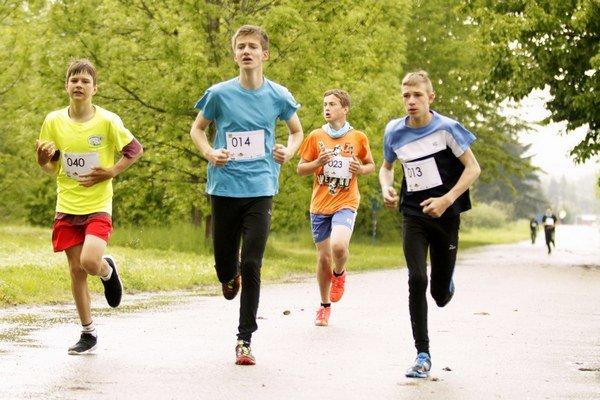 O putovný pohár starostu obce Vlachy napísalo 103 pretekárov.