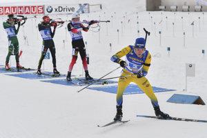 Švéd Sebastian Samuelsson uniká svojim súperom.