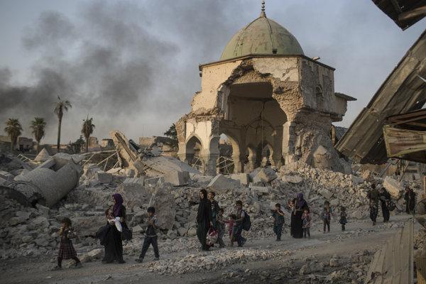Džihádisti z IS boli známi svojím ničením chrámov a artefaktov.