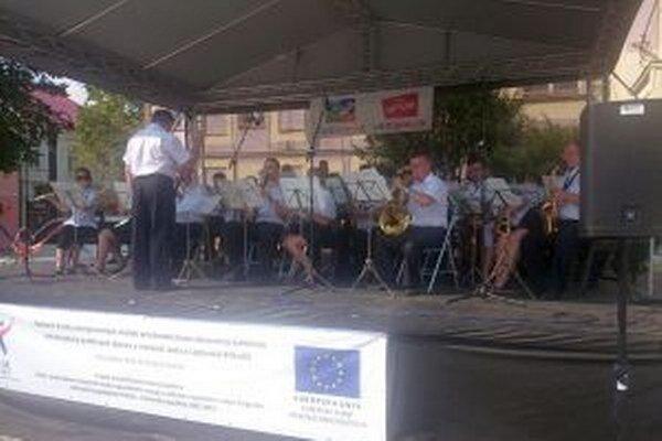 Poľská dychovka zahrala na festivale.