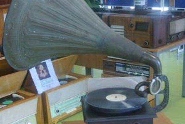 Starý gramafón.