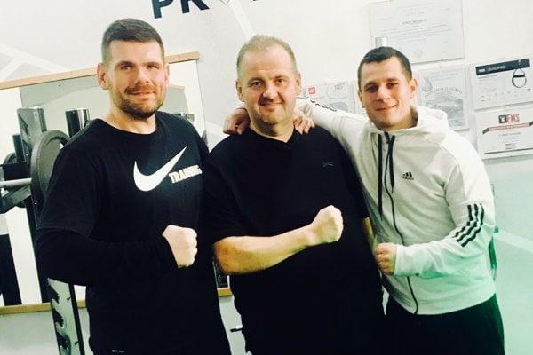 Zľava: Rudolf Kučák zExtrémnych premien, Pavol Stráňava zNajväčšieho víťaza akondičný tréner Ľuboš Kanálik.