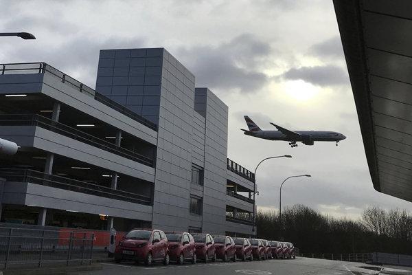 Gatwick, ležiaci južne od Londýna, je druhým najväčším letiskom v oblasti britskej metropoly.