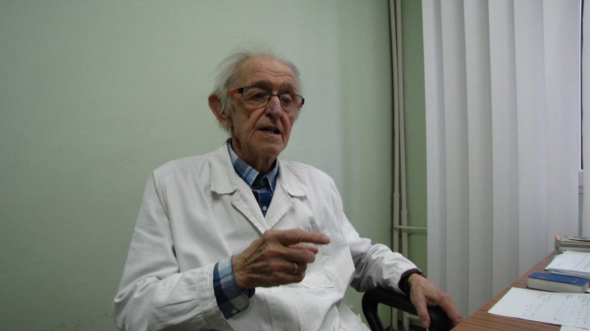 31a0a23d3 Doktor Mika má 91 rokov a stále ordinuje. Hovorí, že kontakt s pacientmi je