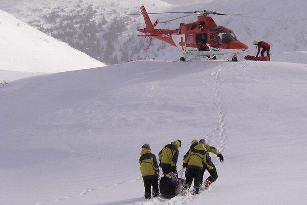 Zranených mužov previezli do popradskej nemocnice.