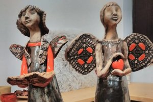 Petra sa postupne posunula od úžitkovej keramiky aj k dekoratívnej.