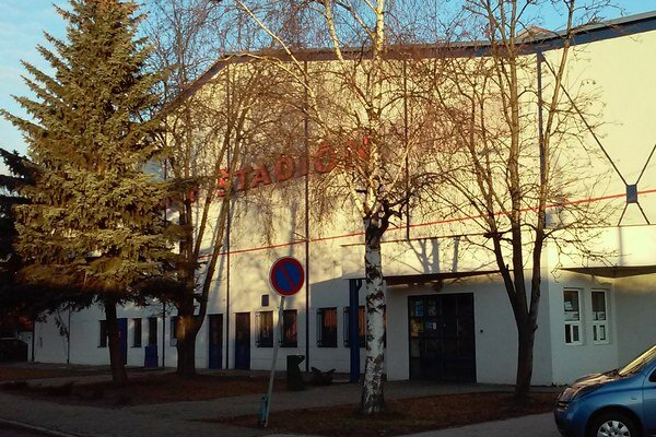 Mesto v súčasnosti aktualizuje projektovú dokumentáciu zimného štadióna s ohľadom na zmeny týkajúce sa slovenských technických noriem.