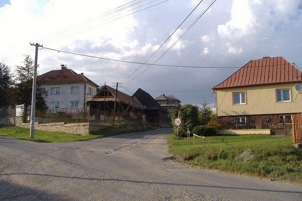 Riziku boli podľa M. Lištiaka vystavený najmä návštevníci obce, ktorí nepísané pravidlá nepoznali.