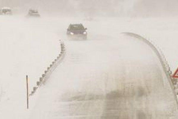 Pozor si dávajte najmä na cestách v podtatranskej oblasti.